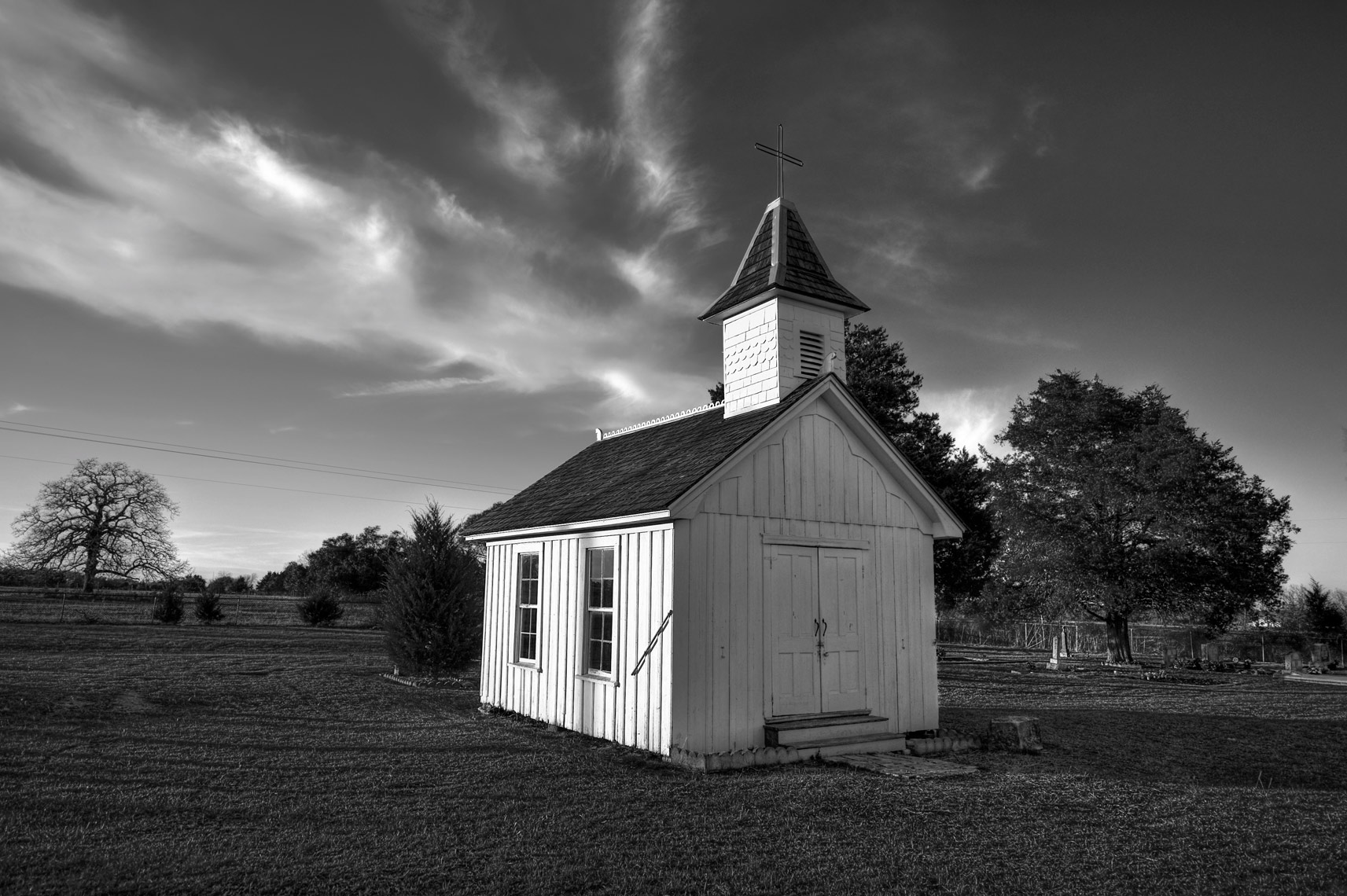 Small_Church_-7016-4_-5_-3_-2__tonemapped_BW